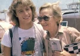 Andy with his mom. | The Bee Gees  and Andy Gibb - The Gibb Brothers and The Gibb Family | Pinterest | Momアンディ・ギブ (1689194)