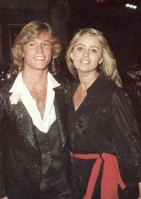 Andy Gibb and Susan George | Andy Gibb | Pinterestアンディ・ギブ、スーザン・ジョージ (1690188)