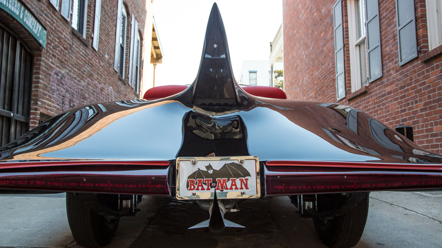 http://www.wired.com/wp-content/uploads/2014/11/Batmobile-61.jpg (539745)