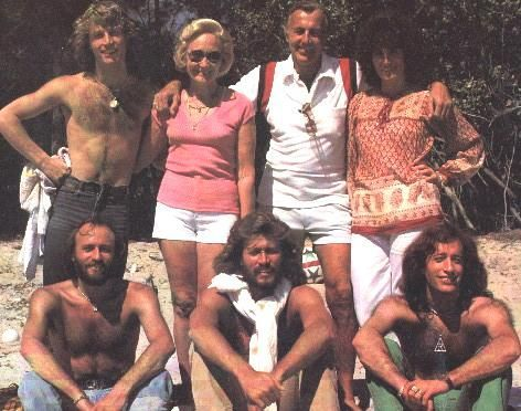 the Gibb family in the mid 1970s l to r back: Andy Gibb, Barbara and Hugh and lesser known Gibb, sister Leslie Gibb Evans. Front Maurice, Barry and… | Pinteres… (1689195)
