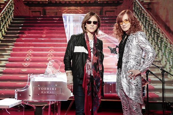 YOSHIKIは、THE ALFEEの2曲をピアノでサ...