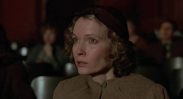 The Purple Rose of Cairo (Woody Allen, 1985) - Ecran [sub. español] - YouTube (1930115)