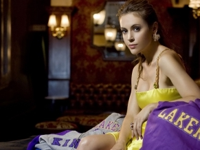http://www.100hdwallpapers.com/thumbs/1920x1200/hot_celebrity_alyssa_milano-widescreen_wallpapers.jpg (789329)